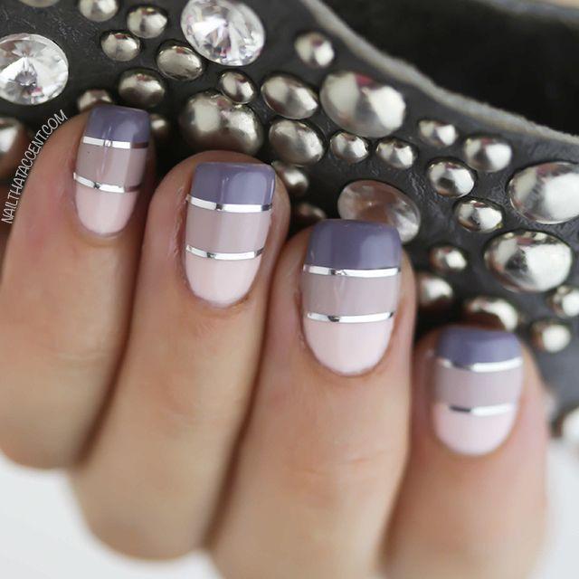 Блестящие полосы на ногтях