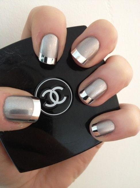 Серебристый дизайн ногтей