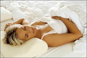 Как научиться спать на спине